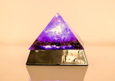 "Orgonitpyramide ""Erleuchtung"""
